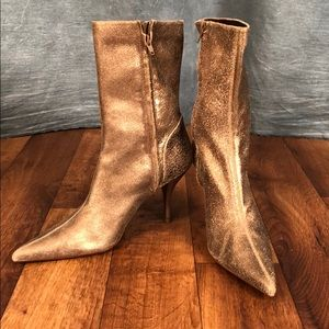 Shoes - Nine West Distressed Gold Leather Boots size 10